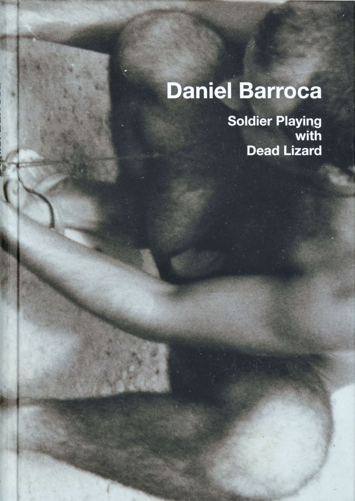 abenteuerdesign | Daniel Baroca - Soldier playing with dead Lizard
